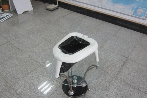 Портативний туалет E-pot на ніжках, універсальний. CHH-512 - Фото №4