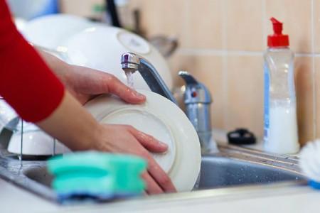 Засоби для миття посуду. - Фото